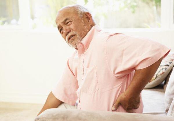 khám sức khỏe tổng quát cho người già