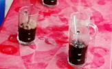Cấm cán bộ, nhân viên ngành y tế... uống cà phê tại các quán trong giờ hành chính