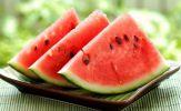 Dưa hấu mát - bổ nhưng khi ăn cần tránh làm 6 việc để không gây hại sức khỏe