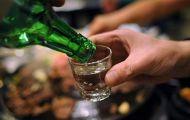 Người đỏ mặt khi uống rượu càng có nguy cơ mắc ung thư