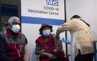 Trên 50% số người trưởng thành tại Anh được tiêm đủ 2 liều vaccine
