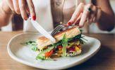 6 thói quen khi ăn sáng gây hại cho sức khỏe, nhiều người vẫn mắc phải