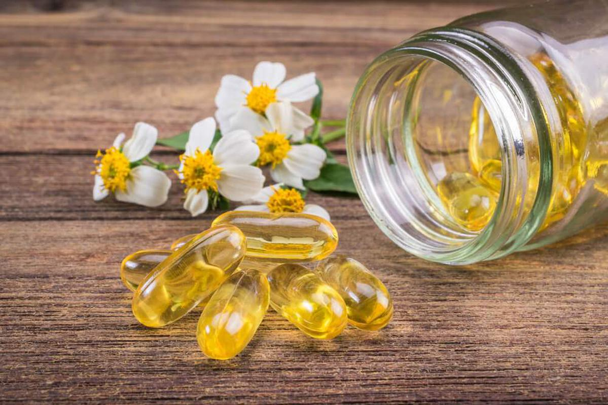 Tương tác thuốc cần lưu ý khi bổ sung vitamin trong mùa dịch - Ảnh 2.